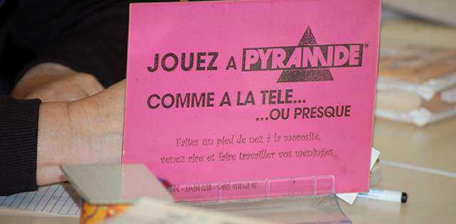 Connaissez-vous le jeu Pyramide ? Non ? Alors venez le découvrir !