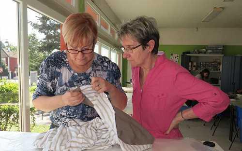 Pontault-Combault:la couture est prisée au centre social et culturel! Veuillez cliquer